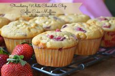 Strawberry White Chocolate Chip Coffee Cake Muffins: I made these and they are delicious! A great way to use fresh strawberries. White Chocolate Muffins, Chocolate Cake With Coffee, Coffee Cake Muffins, Chocolate Chip Muffins, White Chocolate Chips, Oat Pancakes, Oat Muffins, Strawberry Coffee Cakes, Strawberry Muffins