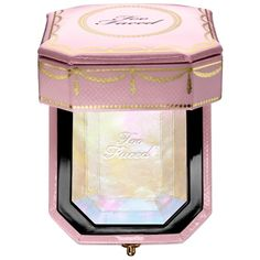 Shop Too Faced's Diamond Light Multi-Use Highlighter at Sephora. A highlighter… Shop Too Faced's Diamond Light Multi-Use Highlighter at Sephora. A highlighter infused with crushed diamond powder and light reflecting pearls. Luminizer, Maquillaje Too Faced, Beauty Games, Too Faced Makeup, Cute Makeup, Too Faced Cosmetics, Nars Cosmetics, Beauty Make Up, Hair Beauty