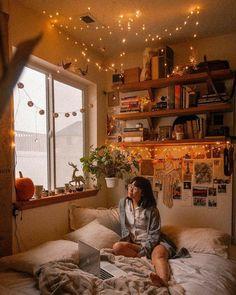 comfort and interior Room Ideas Bedroom, Small Room Bedroom, Warm Bedroom, Bed Room, Master Bedroom, Bedroom Ideas For Small Rooms Cozy, Bedroom Designs, Bedroom Wall, Bedroom Corner