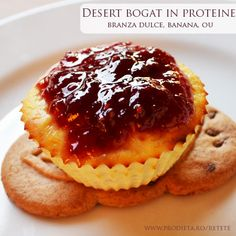 Briose - desert bogat in proteine Baby Food Recipes, Cooking Recipes, Healthy Recipes, Sin Gluten, Romanian Desserts, Sugar Free Sweets, Tasty, Yummy Food, Healthy Sweets