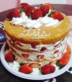 Valorize ainda mais os seus bolos com o delicioso Recheio de Leite Ninho Profissional com 3 Ingredientes!