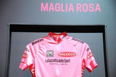 Giro d'Italia @giroditalia Maglia Rosa 2015 by @BaloccoOfficial. #giro pic.twitter.com/0wmnYdaqQX