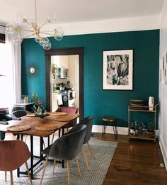 Simple Minimalist Living Room Wall Color Matching With Furniture Ideas You Would Love; Retro Dining Rooms, Dining Room Walls, Dining Room Lighting, Dining Chairs, Dining Table, Living Room, Room Wall Colors, Living Comedor, Dining Room Inspiration