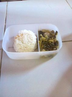 Yesterday the kids tucked into Sinigang na manok.  Looks yummy!