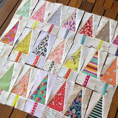 Can you guess which quilt I've started? Christmas Tree Quilt Pattern, Christmas Patchwork, Christmas Sewing, Quilting Projects, Quilting Designs, Quilt Modernen, Mini Quilts, Quilt Tutorials, Square Quilt