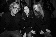 Peter Dundas, Emmanuelle Alt, rédactrice en chef de Vogue Paris et Malgosia Bela au premier rang du défilé Balmain automne-hiver 2014-2015 http://www.vogue.fr/mode/inspirations/diaporama/fashion-week-paris-les-coulisses-automne-hiver-2014-2015-jour-3-fw2014/17785/image/973427#!peter-dundas-emmanuelle-alt-redactrice-en-chef-de-vogue-paris-et-malgosia-bela-au-premier-rang-du-defile-balmain-automne-hiver-2014-2015