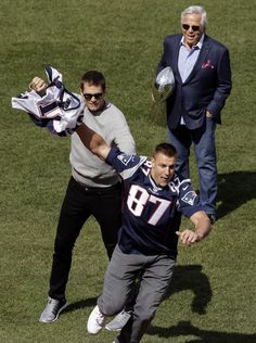 Patriots honored during Red Sox Opening Day ceremonies at Fenway Park | New England Patriots