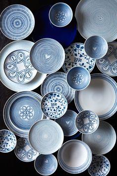 ED Ellen DeGeneres Blue white Love Concentric Heart Mug in Box Royal Doulton cup