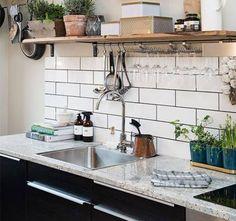 El granito en la cocina sigue siendo un clásico que enamora, hay tantas opciones que por qué no elegir?   #DiseñoDecocinas #EncimerasDecocina