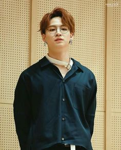 임재범 Im Jae Bum JB #GOT7 | Looks mysterious with these glasses on