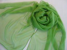 Seidenschal 180x55cm peridot grün Chiffon Stola  von Textilkreativhof auf DaWanda.com