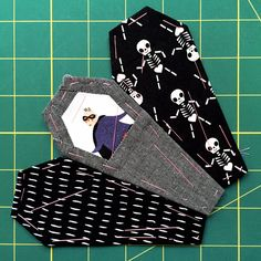 Ring+of+Coffins+Pattern:+Tips+and+Tricks+Part+One+{an+Art+School+Dropout's+life}+EPP+English+Paper+Piecing+Foundation+Paper+Piecing+Halloween+Quilt