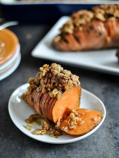 Cinnamon Sugar Hasselback Sweet Potatoes with Oatmeal Cookie Crumble I howsweeteats.com