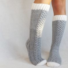 Parker Cable Crochet Socks crochet pattern - Allcrochetpatterns.net
