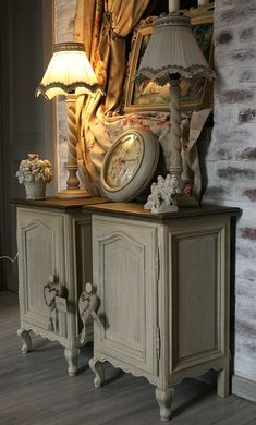 Beloved filled shabby country home Tour our Shabby Chic Bathroom Accessories, Home Decor Accessories, Country House Design, French Country House, Country Living, Country Style, Decoration Shabby, Shabby Chic Decor, Home Decoration