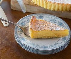 Silky lemon tart recipe - By New Zealand Woman& Weekly, Citrus tarts are a favourite with many, and my mum's made her own version of Australian cook Stephanie Alexander's tart recipe for years. It's insanely silky and light as a feather. Potluck Recipes, Spring Recipes, Dessert Recipes, Pastry Recipes, Tart Recipes, Lemon Recipes, Citrus Tart, Lemon Tarts, Frozen Chocolate