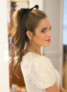 Wavy hair, High ponytail cute bow