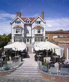 ENGLAND, Stratford-upon-Avon : The Arden Hotel