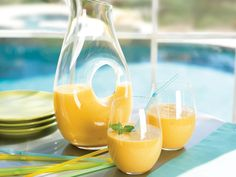 Mango Smoothie Surprise http://www.prevention.com/food/smoothie-recipes-for-weight-loss/slide/2