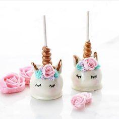 These unicorn cake pops are absolutely adorable!! By @christinascupcakes #cake #cakeart #cakesrtist #kidsdecor #kidsparties #sweets #unicorn #unicorncake #cakepops #cupcakes