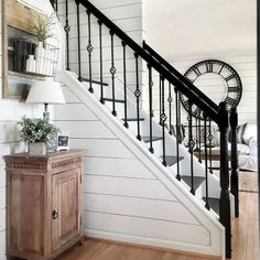 80 Awesome Modern Farmhouse Staircase Decor Ideas A while back I Stairway Decorating Awesome Decor Farmhouse Ideas Modern Staircase staircaseideas Staircase Makeover, Staircase Railings, Banisters, Stairways, Staircase Ideas, Modern Staircase, Black Stair Railing, Black Staircase, Wrought Iron Stair Railing