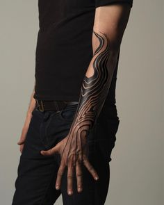 Image may contain: one or more people and people standing Body Art Tattoos, New Tattoos, Hand Tattoos, Cool Tattoos, Celtic Tattoos, Star Tattoos, Tatoos, Unique Tattoos, Beautiful Tattoos