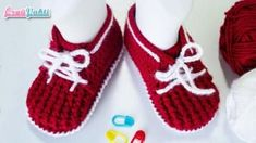 Shoe Style Lace-up Baby Shoes // Crochet Baby Shoes (For 9 Months 1 Age) Crochet Baby Booties, Crochet Slippers, Knitted Booties, Knitted Hats, Baby Hat Knitting Patterns Free, Crochet Tablecloth, Little Girl Fashion, Baby Headbands, Fashion Shoes