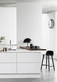 A white Danish kitchen   Dreamy 3d images