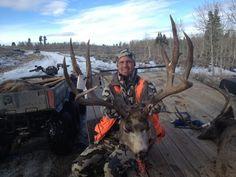i want to go to utah hunting! Big Game Hunting, Trophy Hunting, Hunting Stuff, Hunting Rifles, Mule Deer Hunting, Big Deer, Fishing Trips, Nice Rack, Salmon Fishing