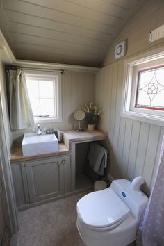 42 Ideas Garden Shed Interiors Cabin Shepherds Hut Up House, Tiny House Living, Small Living, Glamping, Garden Shed Interiors, Shepherds Hut, Tiny House Bathroom, Tiny Spaces, Tiny House Plans