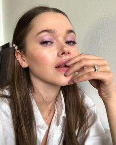 10 ultimative Sommer-Make-up-Trends, die heier sind als die Sommertage Glowy Makeup, Cute Makeup, Perfect Makeup, Pretty Makeup, Natural Makeup, Makeup Looks, Pastel Makeup, Awesome Makeup, Liquid Makeup