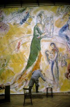 #Marc-Chagall  #marcchagall #Chagall Marc Chagall paints a mural in The Opera… …