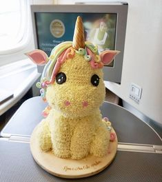Que lindo este bolo. - Cakes I wanna make - Pastel de Tortilla Unicorne Cake, Cake Art, Cake Cookies, Eat Cake, Bolo Cake, Unicorn Birthday Parties, Unicorn Party, Birthday Ideas, Baby Unicorn