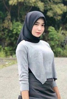 Hijabers Zaman Now Beautiful Hijab, Beautiful Women, Moslem, Indonesian Girls, Local Girls, Girl Hijab, Hijab Fashion, Women's Fashion, Covergirl