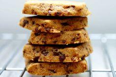 espresso-chocolate shortbread cookies – smitten kitchen Cookie Desserts, Just Desserts, Delicious Desserts, Dessert Recipes, Yummy Food, Chocolate Chip Shortbread Cookies, Chip Cookies, Cookies Et Biscuits, Shortbread Recipes