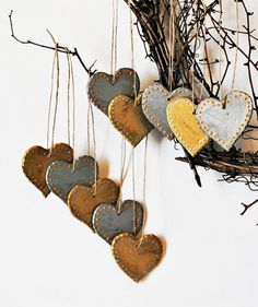 Cute Christmas Wall Ornaments, 2013 Christmas Gift Ideas, Heart Christmas Hangers #christmas #gift #idea www.loveitsomuch.com