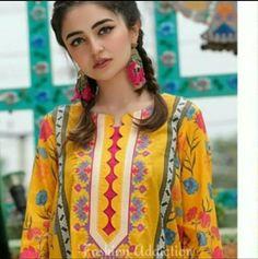 Salwar Suit Neck Designs, Kurta Neck Design, Neck Designs For Suits, Sleeves Designs For Dresses, Neckline Designs, Dress Neck Designs, Beautiful Pakistani Dresses, Pakistani Dresses Online, Pakistani Dresses Casual