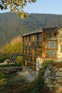 stone & windows Natural Hotel in Himalayas for Your Next Destinations: Traditional Window Frames At The Exciting Shakhti 360 Hotel In Himalayas Hotel & Resort Hotel Ananda In Himalayas ~ frive.us Hotels & Resorts Inspiration