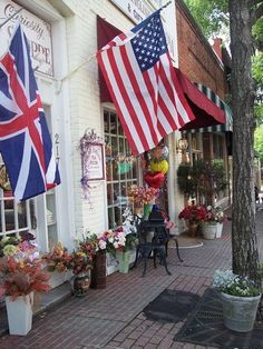 Wake Forest, NC charming little street. South Carolina, North Carolina Homes, Wonderful Places, Beautiful Places, Research Triangle, Wake Forest Nc, Different Types Of Tea, Rose Tea, Places To See