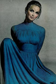 Samantha Jones in blue silk jersey gown by Norman Norell, photo by Richard Avedon for Vogue 1967