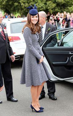 Kate Middleton in grey conservative dress and fascinator hat. // #Celebrity