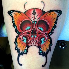 Tattoo done by Gian Andrea Signorell. Skull Butterfly Tattoo, Butterfly Tattoos For Women, Butterfly Tattoo Designs, Skull Tattoo Design, Traditional Butterfly Tattoo, Neo Traditional Tattoo, Body Art Tattoos, Tattoo Drawings, Color Tattoos