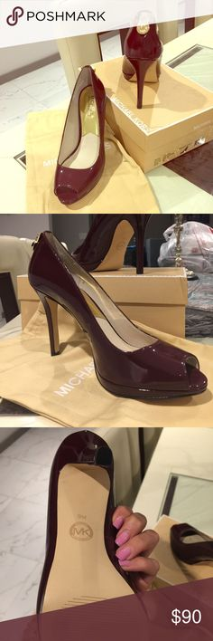 Gorgeous MK heels. New without tags Gorgeous heels never worn. Look amazing on!! I don't have the box but have the dust bag. Michael Kors Shoes Heels
