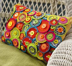 Funky Pinwheel Pillow. Need to do something like this with all of my leftover circle groupings!
