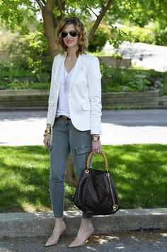 One Chic Mom : Cargos and white