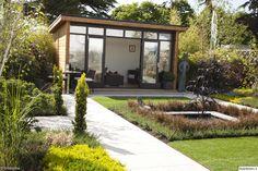 huvimaja,piharakennus,istutusalue,oleskelupaikka,puutarha