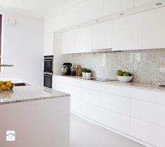 Aranżacje wnętrz - Kuchnia: Kuchnia styl Nowoczesny - Pracownia Architektoniczna Małgorzaty Górskiej-Niwińskiej. Przeglądaj, dodawaj i zapisuj najlepsze zdjęcia, pomysły i inspiracje designerskie. W bazie mamy już prawie milion fotografii!