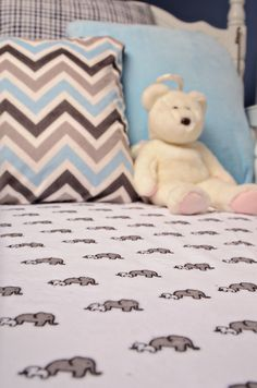 Cuddle Crib Sheet easy sewing project and Free pattern