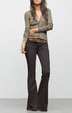 Learn how to style flare jeans now to look current, in our go-to outfit guide to how to wear this denim style year round.: Wear Flare Jeans With a Belted Cardigan Mode Outfits, Jean Outfits, Fall Outfits, Casual Outfits, Fashion Outfits, Fashion Shirts, Fashion Scarves, Flare Jeans Outfit, Flare Pants