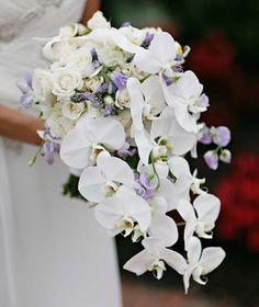 Ramos de Novia Tropicales. Estás planeando casarte en algún país cálido o en una playa? las bodas tropicales son alegres y brillant...